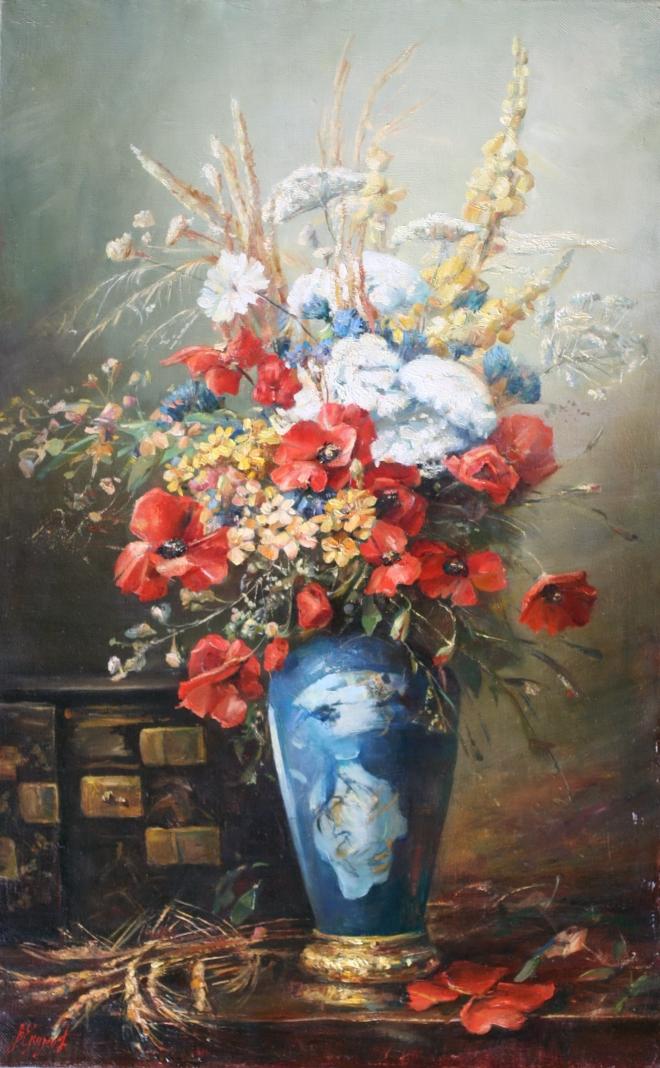 Маки в голубой вазе