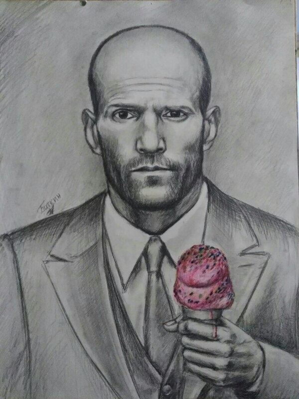 Мужчина с мороженным.