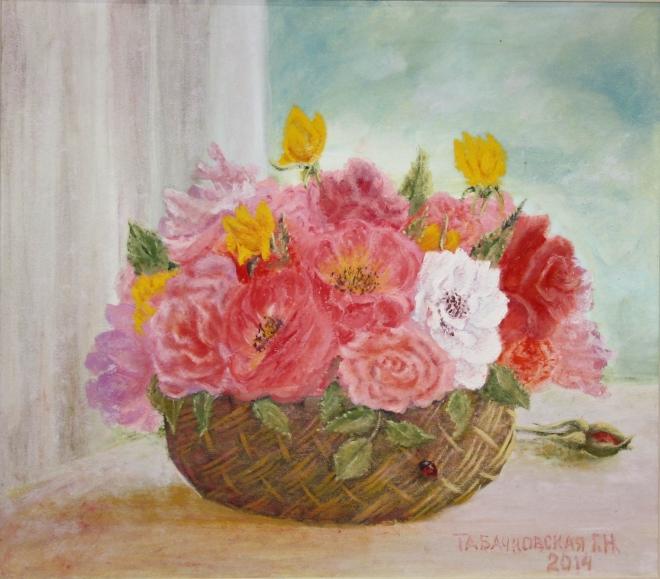 Розы в лукошке.